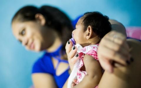 Número de casos de microcefalia sobe para 1.709, diz ministério